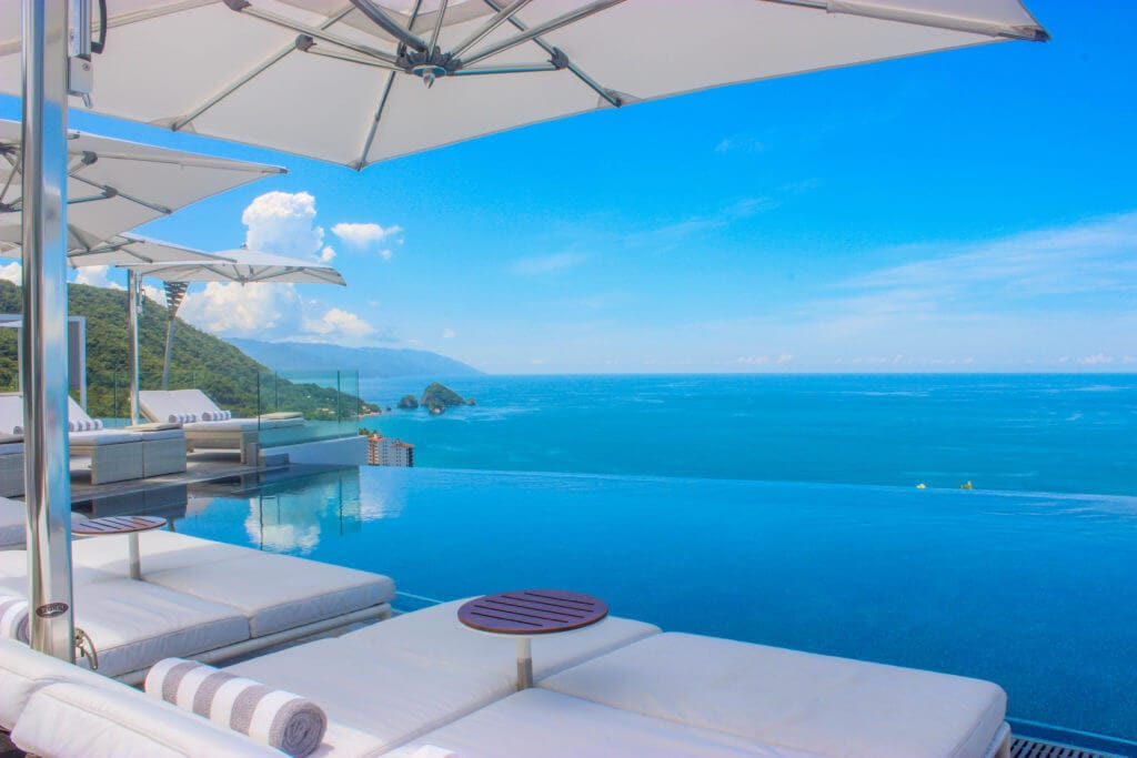 what-makes-5-diamond-vacations-at-hotel-mousai-in-puerto-vallarta